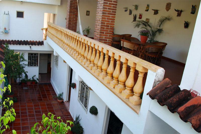 balcony-8duzd