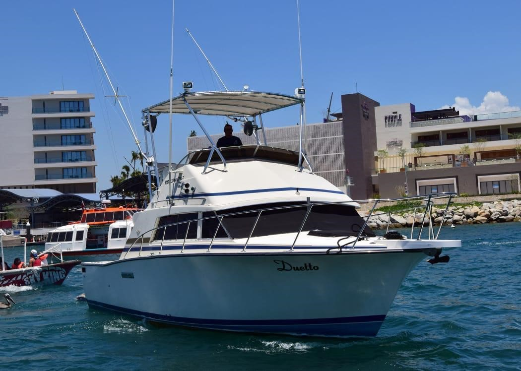 Duetto 35 ft. Cabo. Up to 7 pax.